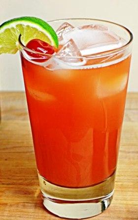 Jamaican-rum-punch-cocktail